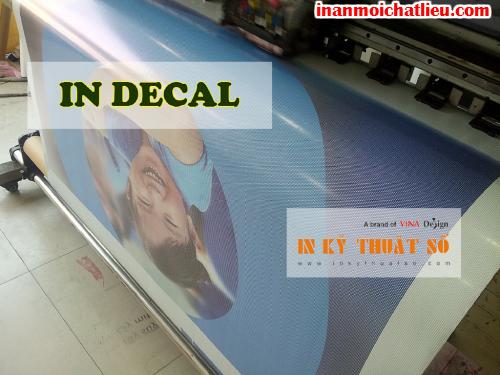 In trang trí kính với decal lưới tại Công ty TNHH In Kỹ Thuật Số - Digital Printing